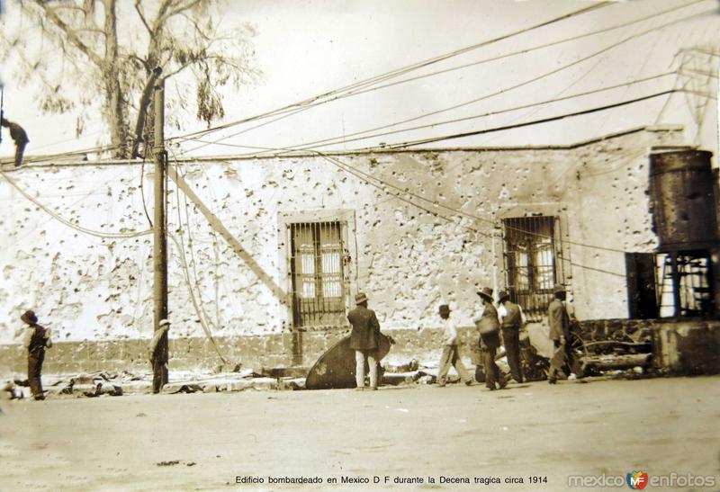 Edificio bombardeado en Mexico D F durante la Decena tragica circa 1914