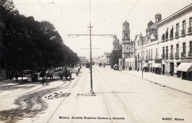 Avenida Hombres Ilustres y Alameda Central
