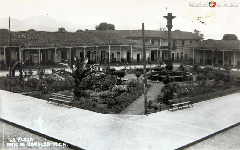 LA PLAZA hacia 1930-1950