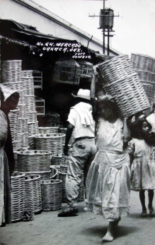 Tipos mexicanos DIA DE MERCADO Circa 1930-1950