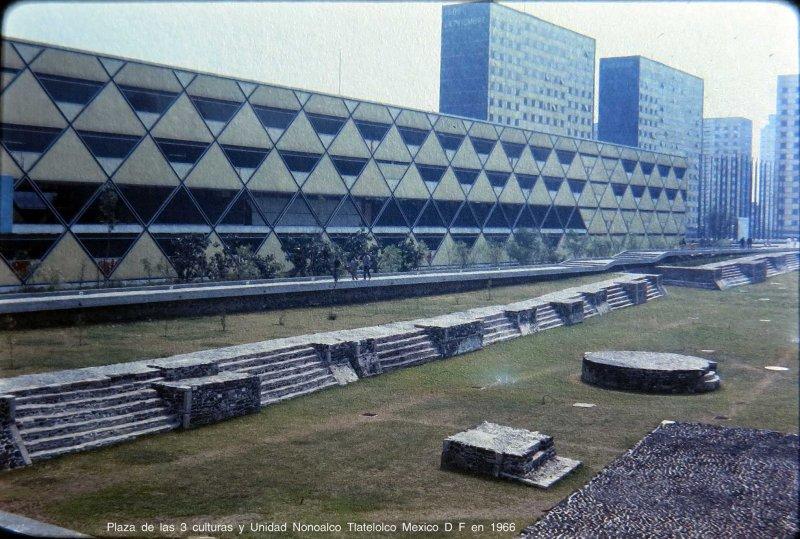 Plaza de las 3 culturas y Unidad Nonoalco Tlatelolco Mexico D F en 1966