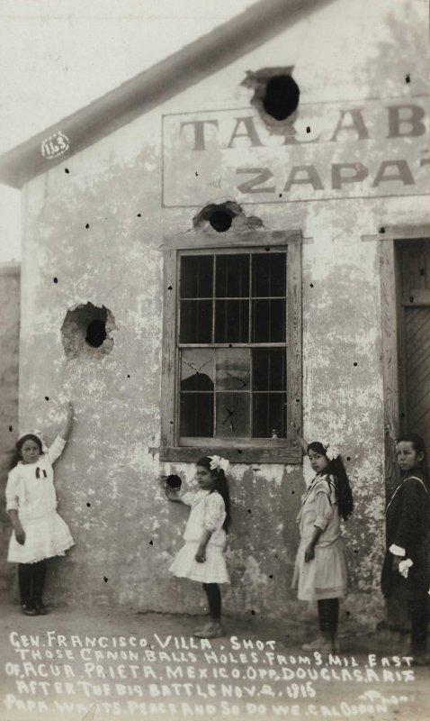 CASA BOMBARDEADA DURANTE LA REVOLUCION MEXICANA circa 1910-1920