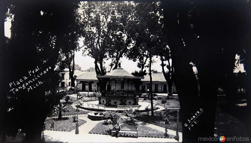 Fotos de Tangancícuaro, Michoacán, México: PLAZA PRINCIPAL Circa 1930-1950