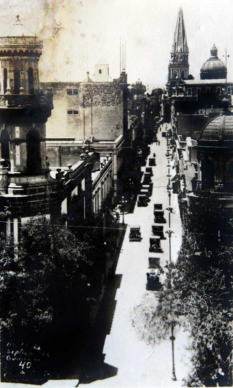 AVENIDA 16 DE SEPTIEMBRE Circa 1900-1930
