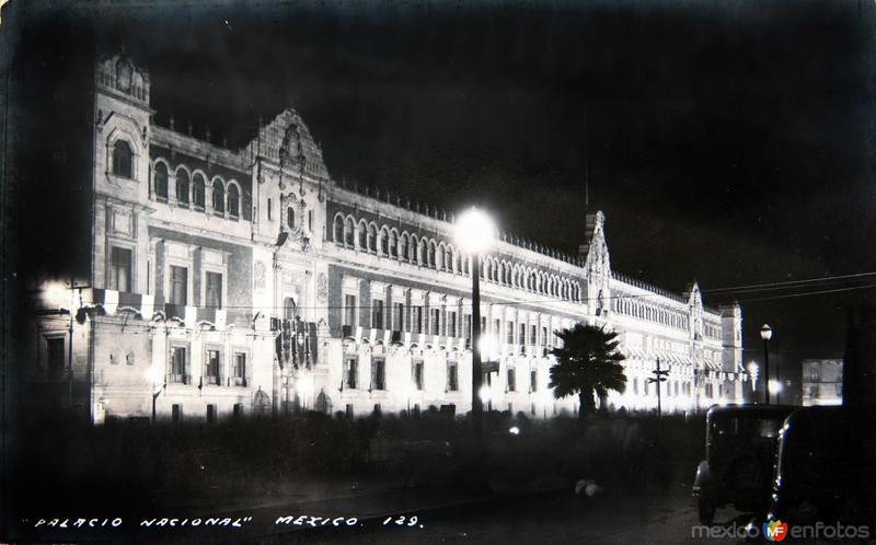 PALACIO NACIONAL DE NOCHE Circa 1930-1950