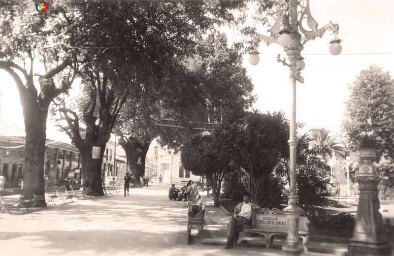 Fotos de Uruapan, Michoacán, México: Uruapan, Jardín de los Mártires, 1953
