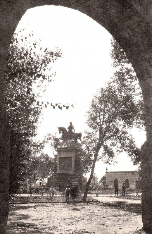 Morelia, Monumento Ecuestre a Morelos, 1918