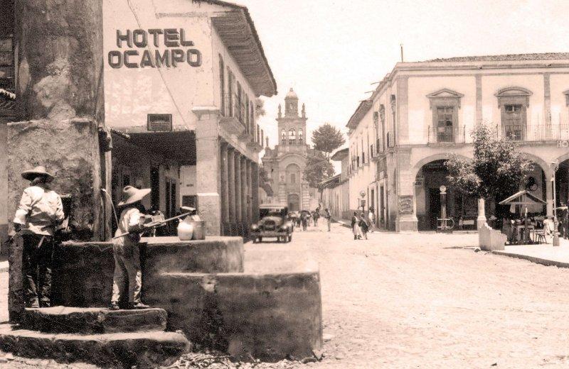 Pátzcuaro, Hotel Ocampo, portales