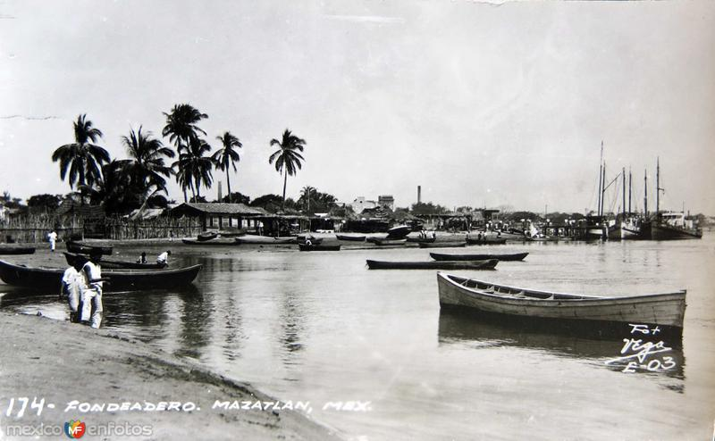 PANORAMA FONDEADERO CIRCA 1930-1950