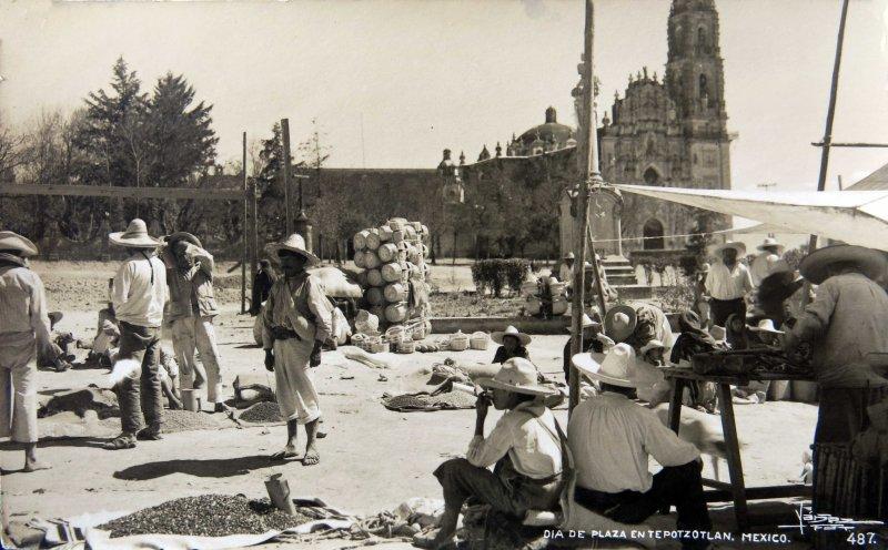 DIA DE PLAZA circa 1930-1950