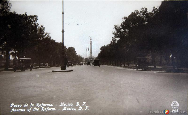 AVENIDA PASEODE LA REFORMA Circa 1920-1930