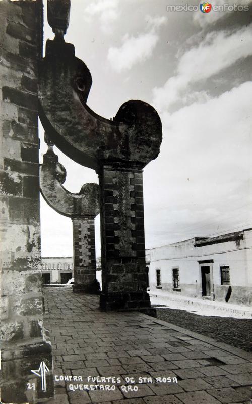 CONTRA FUERTES EN EL TEMPLO DE SANTA ROSA circa 1930-1950