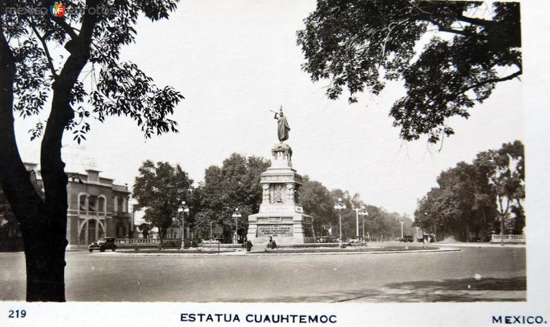 ESTATUA DE CUAHUTEMOC Circa 1930-1950