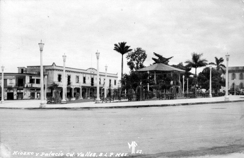 Kiosco y Palacio Municipal de Ciudad Valles