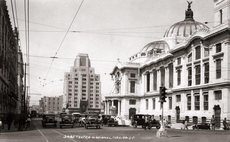 Palacio de Bellas Artes y Calle San Juan de Letrán