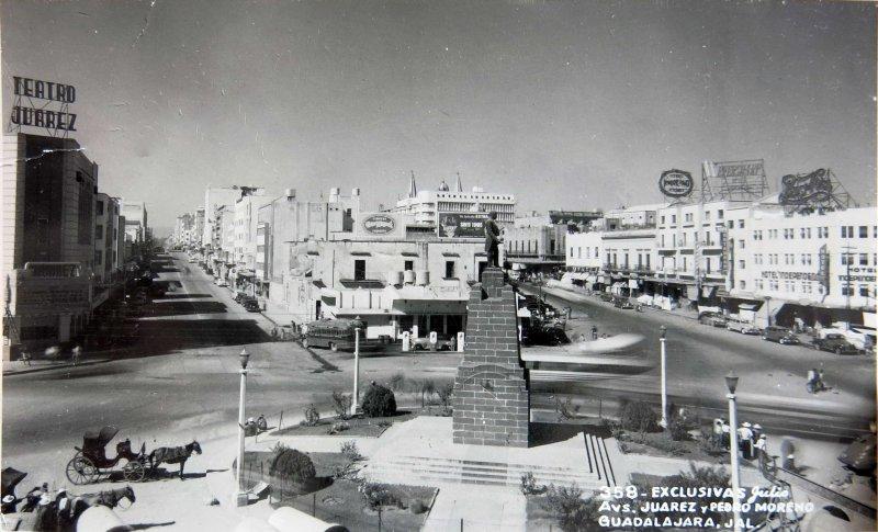 Avenidas Juarez y Pedro Moreno hacia 1930-1950