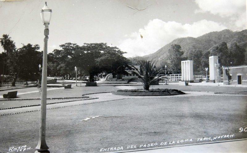 Entrada del Paseo de la loma hacia 1930-1950