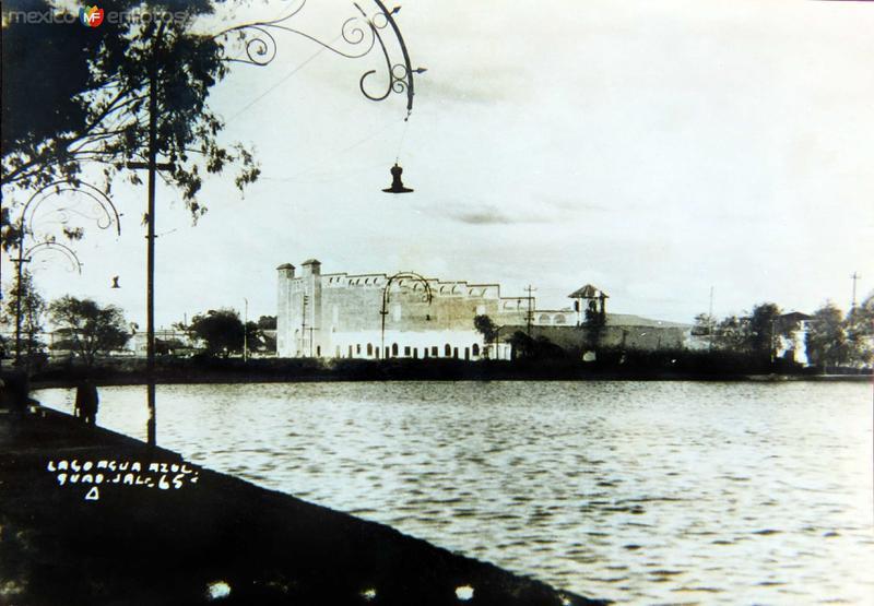 Lago azul y el Antiguo Estadio hacia 1930-1950