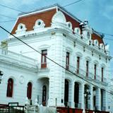 El palacio municipal, principios del siglo XX. El Oro, Edo de México. 2001