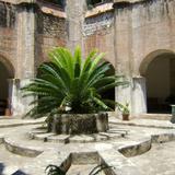 Patio y claustro del ex-convento de San agustín (Siglo XVI). Jonacatepec. Abril/2011