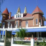 Hermosas Residencias, hoy convertidas en Restaurantes. Noviembre/2011
