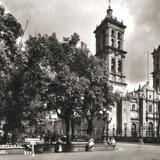 Jard�n y Catedral de Puebla