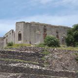 Ruinas coloniales en la cima de la Pirámide El Pueblito. Agosto/2012