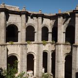 Vista del claustro del ex-convento del siglo XVI en Yuriria. Noviembre/2012