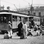 Personas esperando el Tranvia Hacia 1900