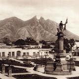 Vista de Monterrey y el Cerro de Silla (circa 1920)