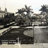 Jardines y Palacio Mpl. Hacia 1945