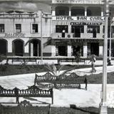 La Plaza y hotel Hacia 1945