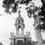 Mausoleo del General Villa  Hacia 1945