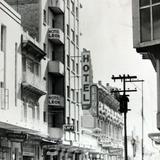 Escena Callejera HOTEL LEON Hacia 1945