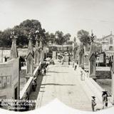 PUENTE MERCADO Y TEMPLO DE SANTIAGO Hacia 1900