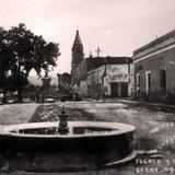 FUENTE Y CALLE Hacia 1920