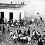 La quema de Judas, durante la Semana Santa (Bain News Service, sin fecha)