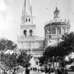 Catedral de Guadalajara y Plaza de Armas (Bain News Service, c. 1915)