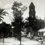 PLAZA Y JARDIN Hacia 1945