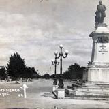 MONUMENTO A JUSTO SIERRA  Hacia 1945