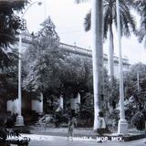 JARDIN Y PALACIO Hacia 1945