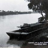 CANOAS EN EL RIO PAPALOAPAN Hacia 1945