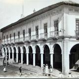 DIA DE FIESTA Y PALACIO MPL.Hacia 1945