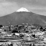 Vista panorámica con el volcán Popocatépetl al fondo