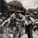 TIPOS MEXICANOS TRAJES TIPICOS hacia 1945