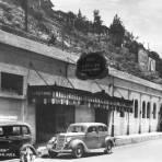 THE CAVERN Hacia 1945