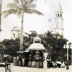 PANORAMA KIOSKO Y PLAZ DE ARMAS Hacia 1914