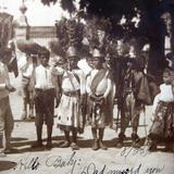 TIPOS MEXICANOS ninos vestidos por algun festival circa 1911