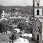 PARQUE E IGLESIA Circa 1945