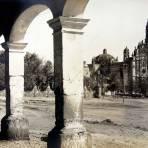 LA IGLESIA Circa 1920-1940 - Tepotzotlán, México